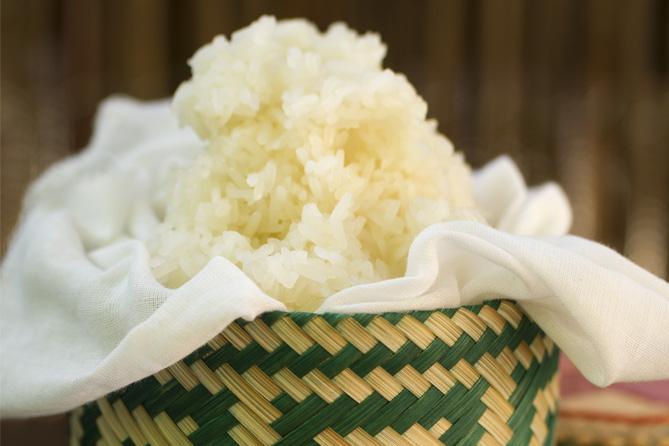 Como preparar arroz glutinoso sticky rice kwan homsai for Formas de preparar arroz